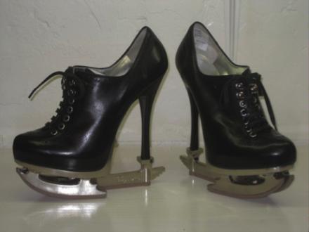 10 chaussures insolites, par Nostromo, agence de communication
