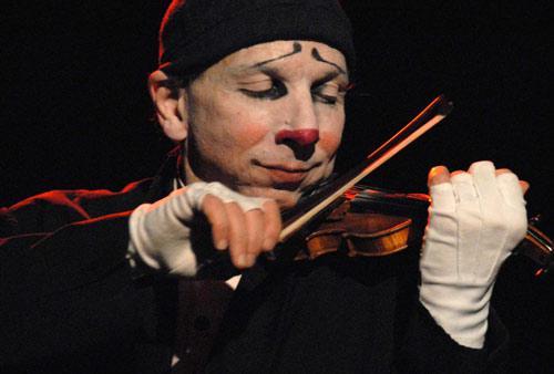 Nostromo, agence de communication, s'interesse a l'image des clowns