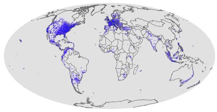 En 2010, le réseau de Facebook était encore assez localisé, rapporte Nostromo, agence de communication